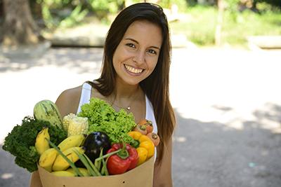 Comer mais vegetais e frutas podem fazer você parecer mais atraente?