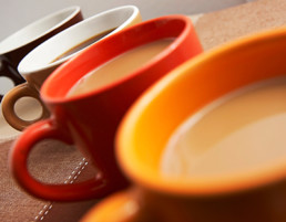 O seu café está amargo? Troque a cor de sua xícara