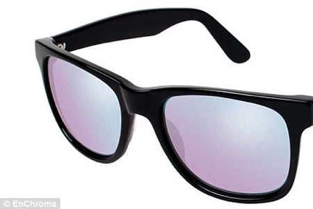 New Tinted Glasses Give Color to Those With Color Vision Deficiency