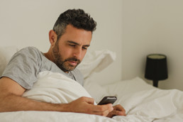 Can Your Smart Phone Be Causing Your Insomnia?