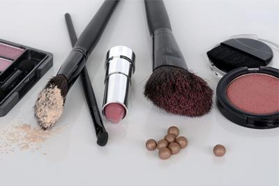 ¿Cómo se hace el maquillaje?