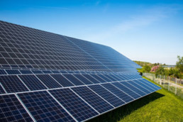 La Iluminación Puede Corregir Los Defectos De Los Paneles Solares