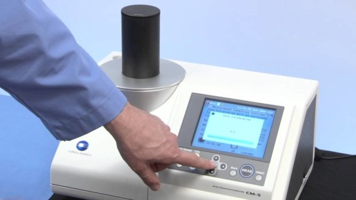 How does a spectrophotometer work? CM-5